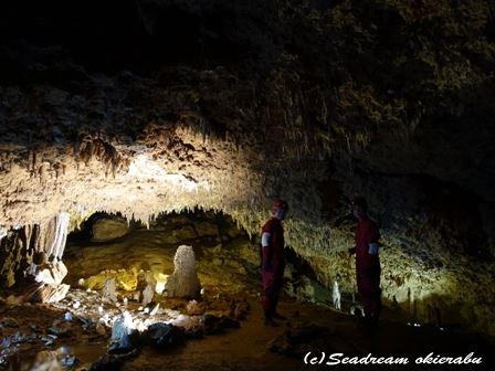 沖永良部島の洞窟 男旅