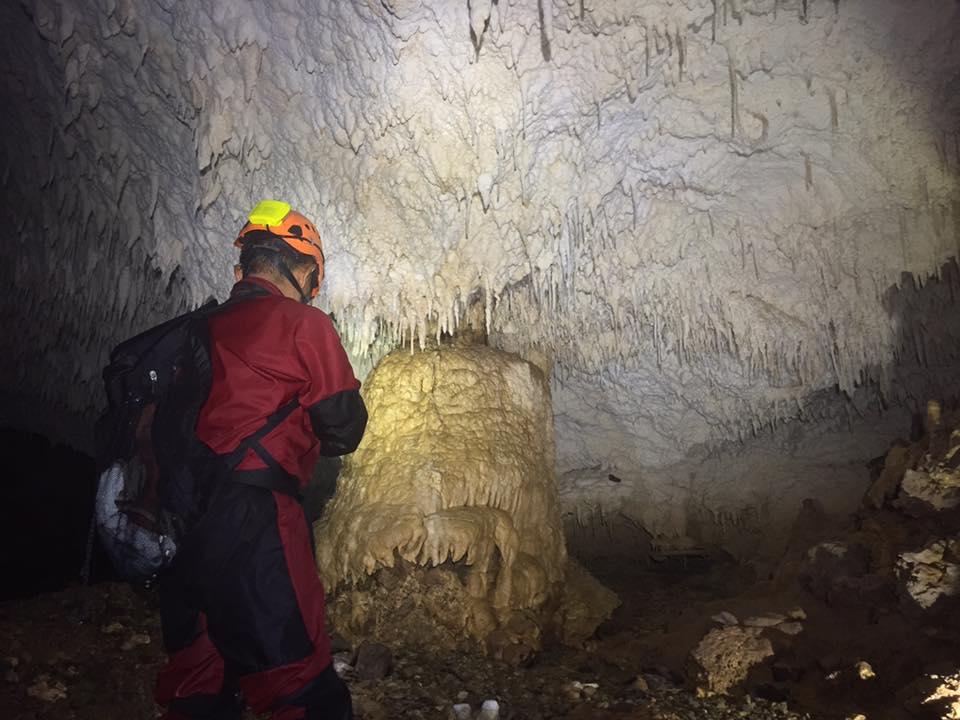 「銀水洞」の安全確認調査