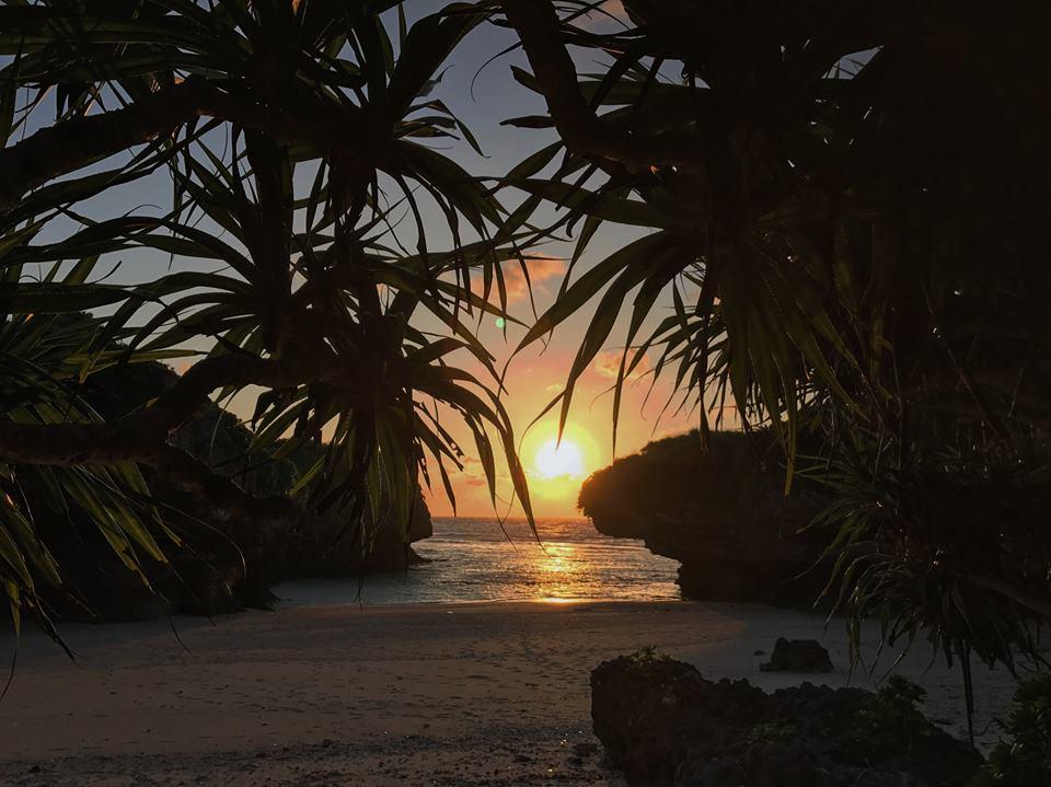きれいな夕日 大晦日ケイビング 沖永良部島