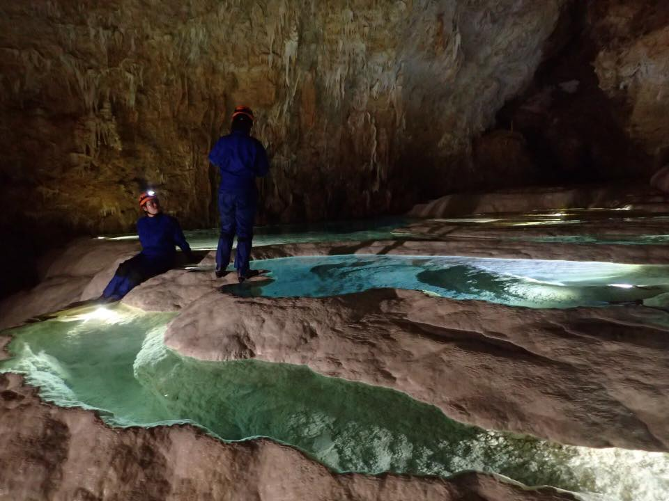 絶景 銀水洞でのケイビング