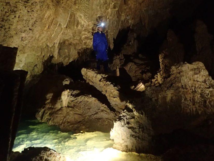 マンツーマンガイドで洞窟貸切ツアー!
