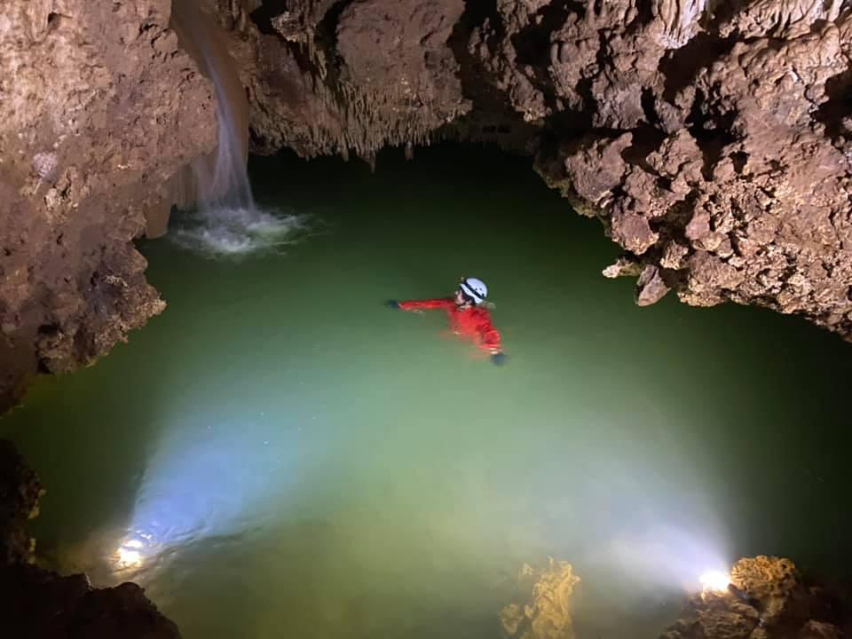 水連洞 沖永良部島