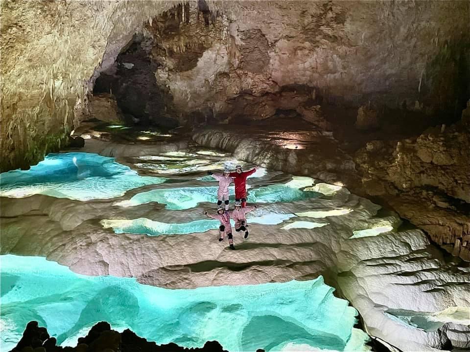 沖永良部島の絶景・銀水洞